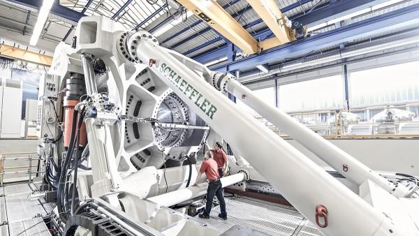 Az ASTRAIOS a világ egyik legmodernebb és legerősebb próbapadja a nagy méretű csapágyakhoz.